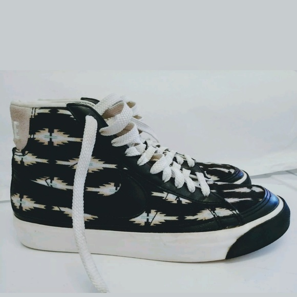 68fc1f89d430d Nike aztec high top tennis shoes. M_5c6f8278aaa5b8b0dca7f9c8